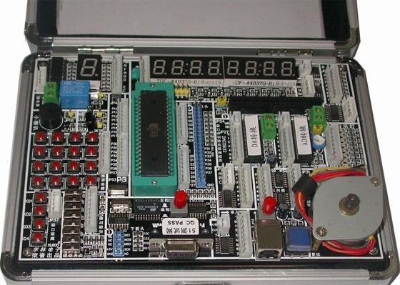 集成常用的单片机外围硬件